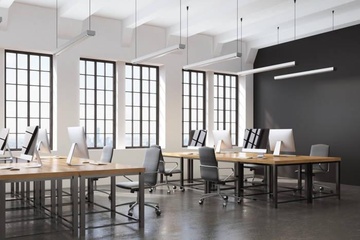 Biuro w domu, mieszkaniu czy biurowcu?